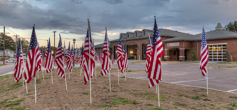 Munford City Hall Flags